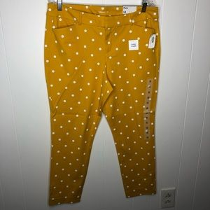 NWT Old Navy pixie ankle pants polka dots. Size 14
